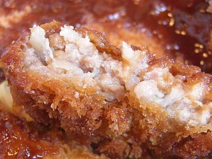 釜飯と串焼 とりでん ミックスフライ定食 メンチカツ 断面