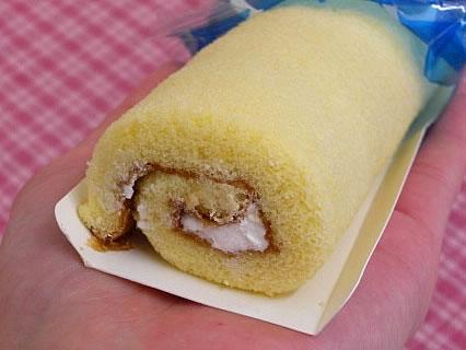 山崎製パン 塩スティックロールケーキ 中身