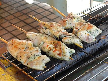 2009 津軽の食と産業まつり フランス食堂 シェモア ジャンボ焼き鳥焼いてるところ