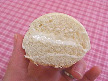 Pasco(敷島製パン) 風に吹かれて豆腐屋ジョニーロール 断面