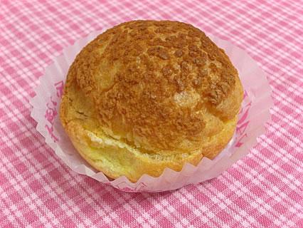 お菓子工房やなぎや  焼きたてのガチンコシュークリーム(150円)