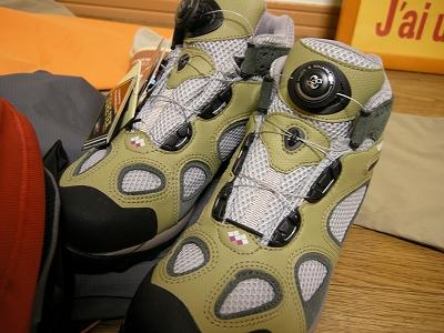 monbellってメーカーの、かなり履き心地の靴です♪