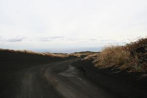 裏砂漠-かなりの悪路です