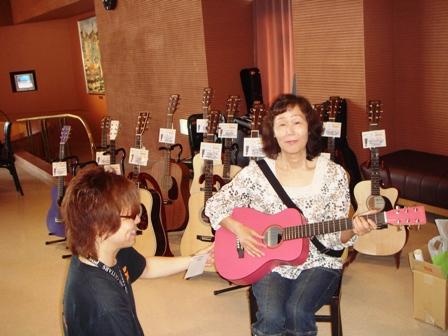 040-1ギターの展示