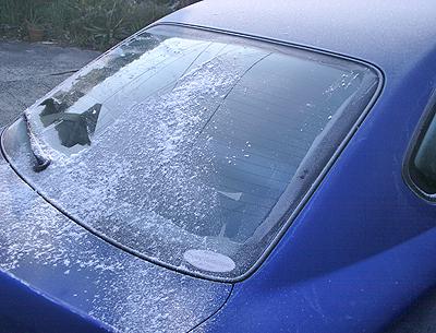 霜でリヤガラスが凍り付いたS15