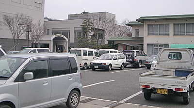 沼隈サンパルホールの駐車場