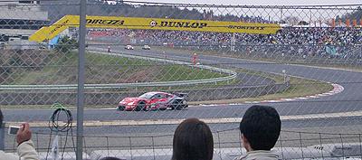 第1コーナーを抜けるXaNaVI GTR