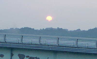 真っ赤に燃える太陽2