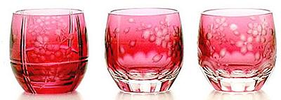 江戸切子:金赤のグラス