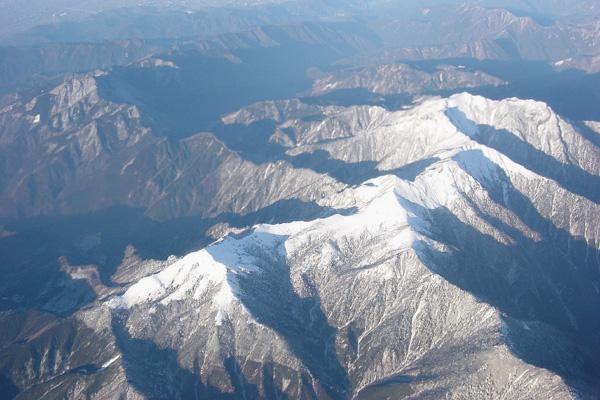上空から雪山