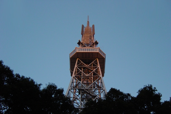 久屋大通から見たテレビ塔