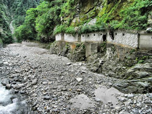 黒部峡谷の通路
