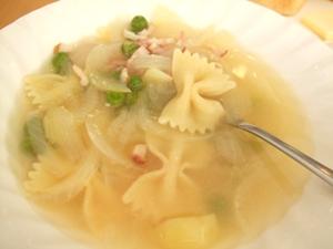 グリンピースのパスタスープ