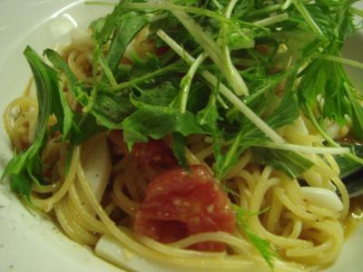 イカと水煮トマトのスパゲティ