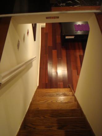 階段降りると。。。