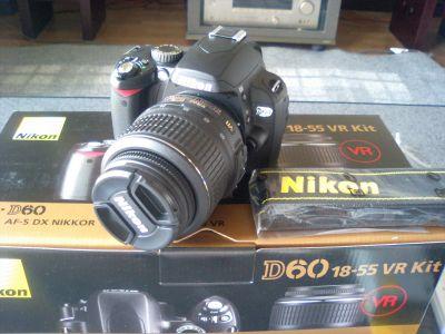 Nikon D60やで
