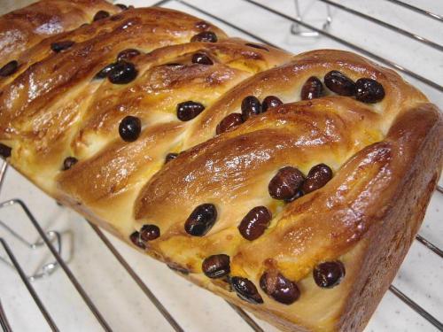 20081021かぼちゃと大納言のマーブル食パン