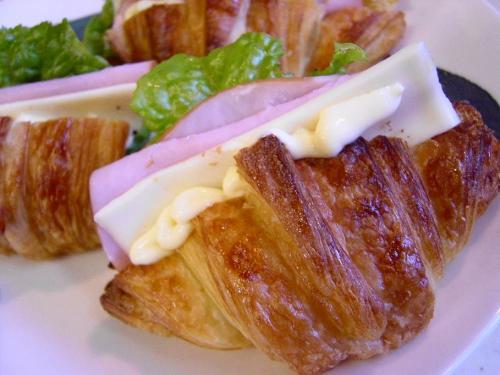 20081125クロワッサンサンド(ハム&チーズ)