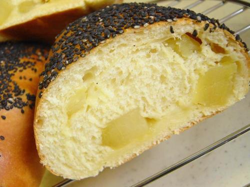 20090107焼きさつまいもパン断面