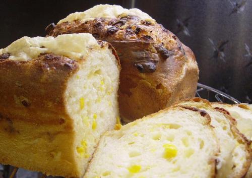 20090321ヨーグルト酵母でコーンチーズブレッド