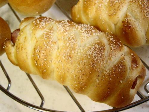 20090810ウインナーの編み込みパン