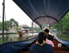 運河の船から