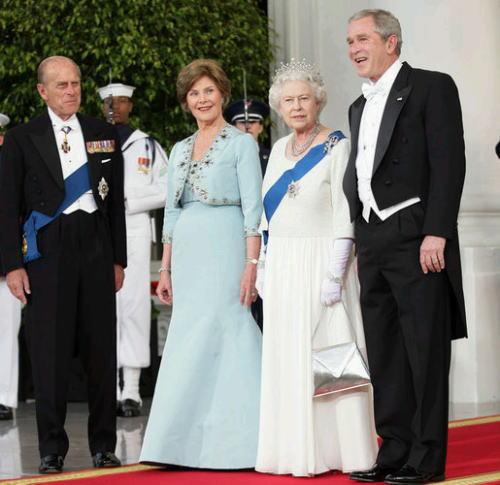 ホワイトタイディナー エリザベス女王