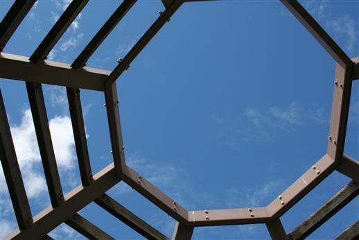 八角形の空