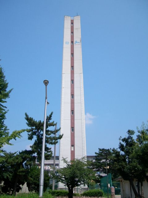 公団中宮第3団地の給水塔