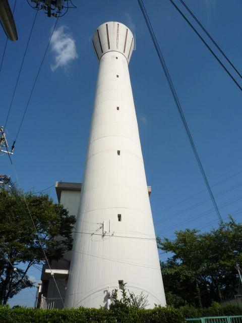 大阪府公社茨木安威団地の給水塔2