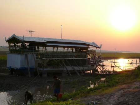 船レストラン