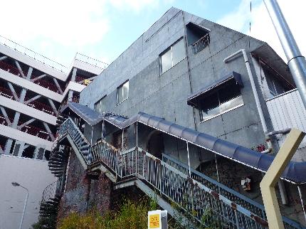 中山の廃ビル