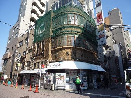 上野広小路のたばこ屋1