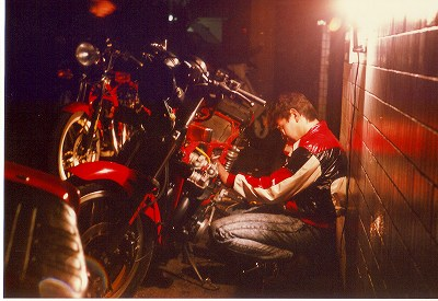 バイクいじり1