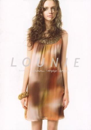 LOUNIE(ルーニィ)通販:2009夏物公式カタログ(表紙)今年のサマーコレクションを代表するエレガントサファリスタイルのシルク100%ワンピース!