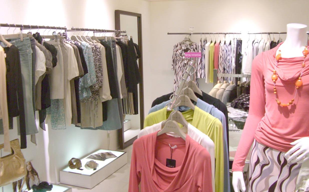 LOUNIE(ルーニィ)通販-LOUNIEプランタン銀座店へ行ってきました!綺麗な店内。大きな鏡も・・・