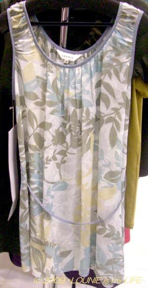 LOUNIE(ルーニィ)通販:2009夏物試着会(内見会)レポート!雑誌掲載必至のかわいさ。2009夏物展示会メインプリントのひとつ、迷彩柄のタンクトップチュニックのサンプル品です。