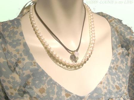 OUNIE(ルーニィ)通販:2009春物VOYAGE:花柄ブラウス:ネックレスは'09春注目のトレンドを取り入れたスワロフスキー