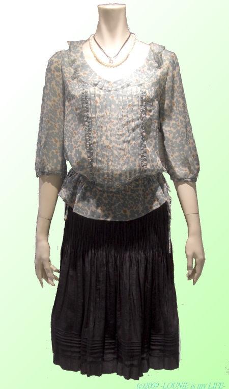 OUNIE(ルーニィ)通販:2009春物VOYAGE:花柄ブラウス×サテンスカート(スカートとチュニックブラウスもこうコーディネートすればかわいい!)