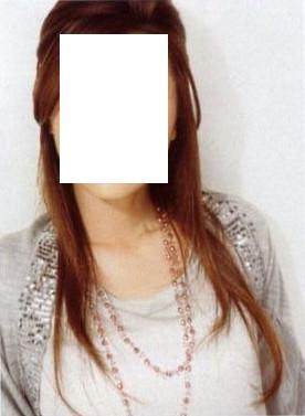 """LOUNIE(ルーニィ)通販:2009秋物:Oggi(オッジ)9月号掲載♪秋色コスメで作るヨンア顔。2009秋、""""甘辛ニット""""がマストですネ☆ルーニィのスパンコール付きニットボレロ"""