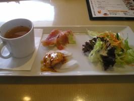 サラダ、スープ、タコス