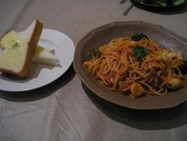 ホタテとブロッコリーのトマトパスタ