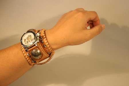 ブレスレット時計