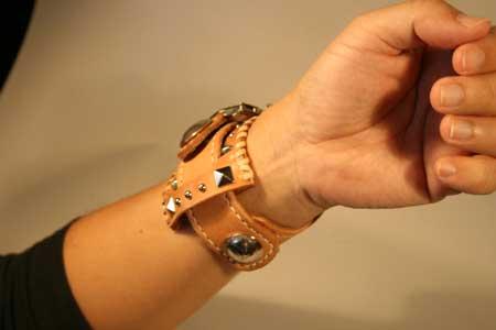 ハンドクラフト腕時計