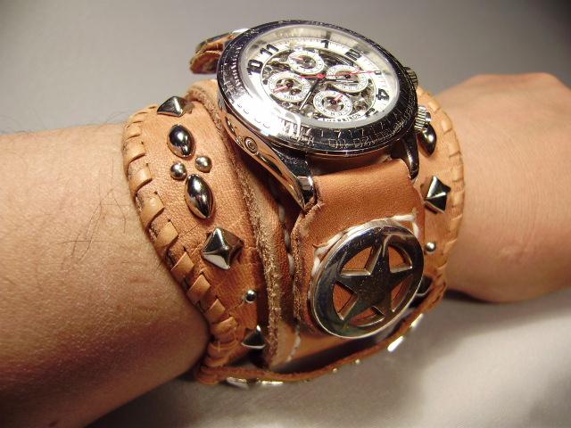 幅広ベルト 腕時計