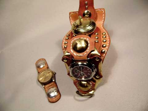 ごつい腕時計