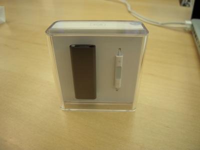 iPod shuffle 3G 02