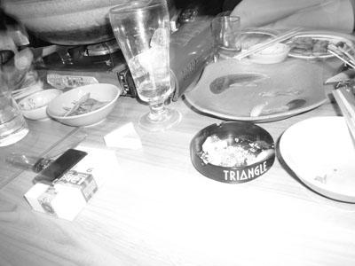 16_テーブルの上