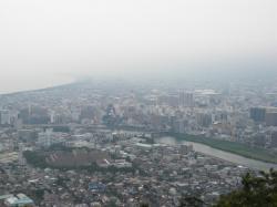 沼津の町並みは靄ってます