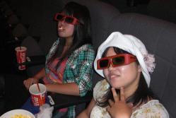 3Dメガネの2人